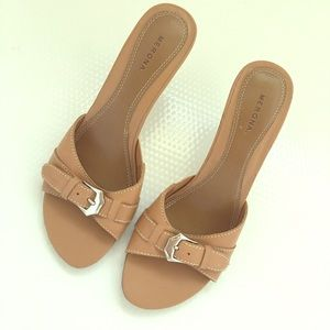 Merona leather tan slides with stacked heel, 7.5